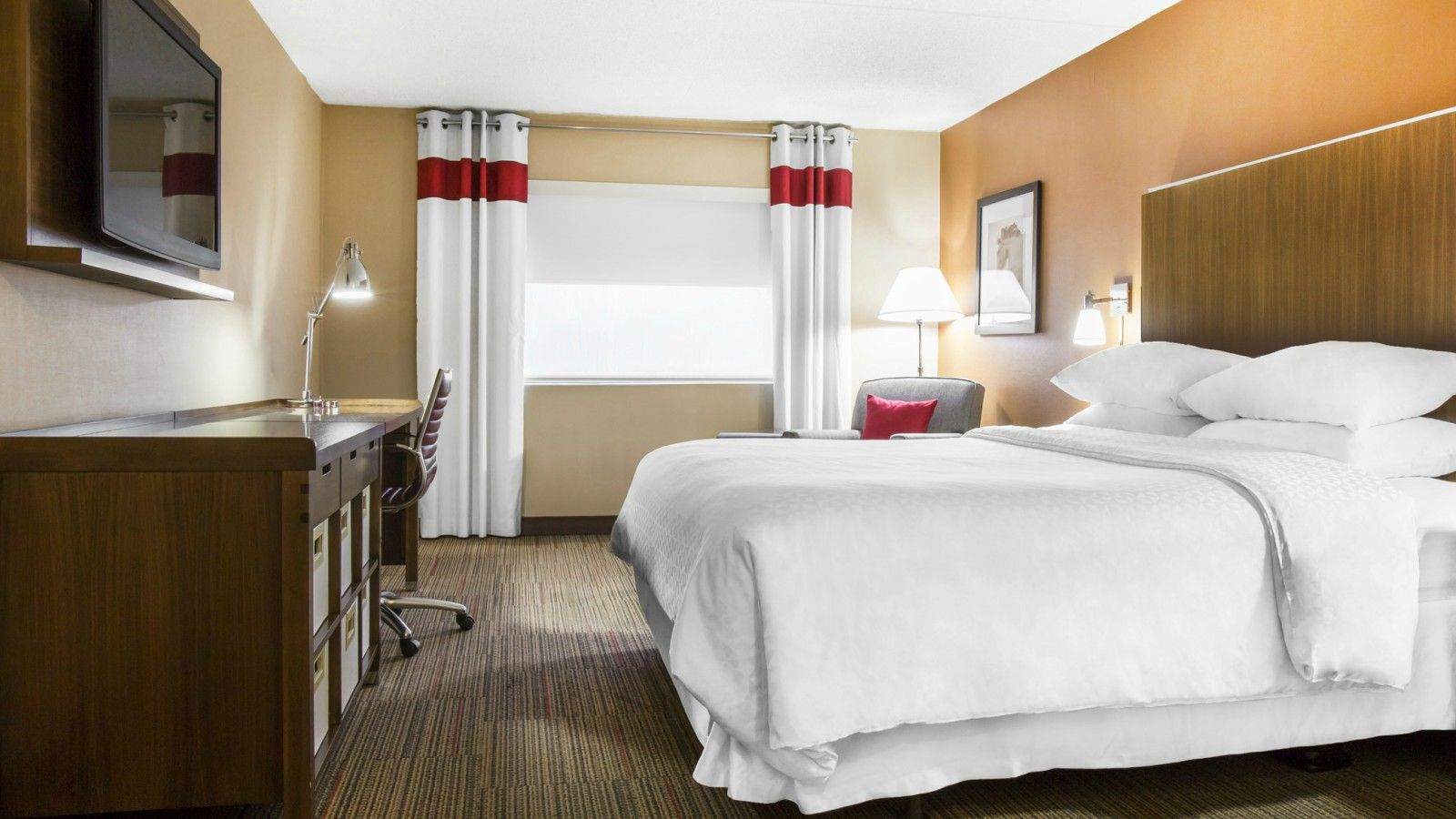 Lexington Accommodations - Accessible Room